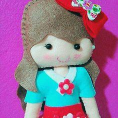 Bambola fatta a mano in feltro