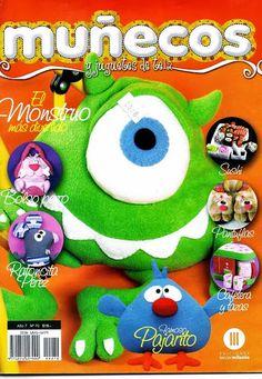 Muñecos y Juguetes de Tela Nº 70 - Mary. XXV - Álbuns da web do Picasa Homemade Crafts, Crafts To Make, Sewing Magazines, Sewing Dolls, Felt Fabric, Felt Diy, Soft Dolls, Doll Crafts, Stuffed Toys Patterns