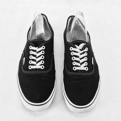 d16e86739b71 Genuine Van classic Shoes Authentic Plimsolls skate Low Top Trainer Off The Wall  Vans Classic