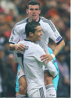 Real Madrid 2- Villarreal 2  primer partido de Gareth Bale con el equipo blanco http://mafercolocha.blogspot.com/