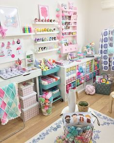 48 Ideas Craft Room Layout Ideas Inspiration For 2019 Sewing Room Decor, Study Room Decor, Craft Room Decor, Sewing Room Organization, Cute Room Decor, Craft Room Storage, Sewing Rooms, Bedroom Decor, Office Storage