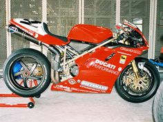 Ducati 996 SBK 1998 - Carl Fogarty 3 - Foto Attualità e Mercato