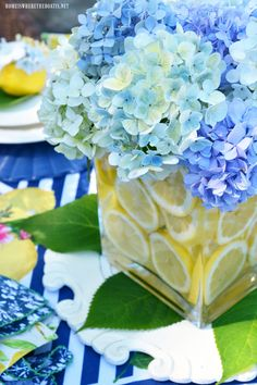 New brunch table scape floral arrangements ideas Lemon Centerpieces, Concrete Bird Bath, Hydrangea Arrangements, Summer Flower Arrangements, Wood Plant Stand, Deco Floral, Blue Hydrangea, Hydrangeas, The Fresh