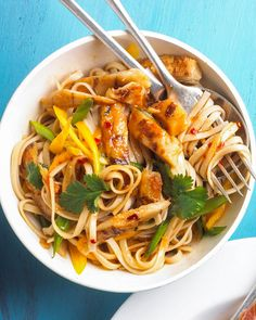 These Easy Pasta Recipes Will Be On the Table in Just 20 Minutes Easy Pasta Recipes, Chicken Recipes, Dinner Recipes, Cooking Recipes, Noodle Recipes, Recipe Chicken, Dinner Ideas, Asian Recipes, Healthy Recipes