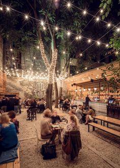 superb outdoor patio for a fantastic dinner - outdoor r . - superb outdoor patio for a fantastic dinner – outdoor restaurant patio – - # Outdoor Restaurant Design, Outdoor Restaurant Patio, Outdoor Kitchen Bars, Outdoor Cafe, Restaurant Ideas, Restaurant Exterior Design, Cafe Exterior, Exterior Homes, Rooftop Restaurant