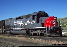 A Southern Pacific SD40T-2 poses in the afternoon sun at Scofield on the Pleasant Valley Subdivision. The 8376 was built by EMD for the St. Louis Southwestern (Cotton Belt) in Jan. 1978.
