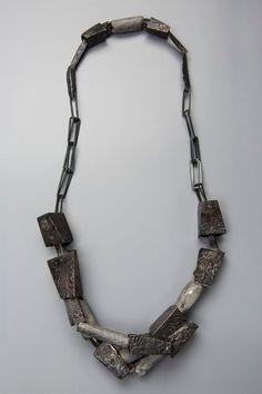 Dina Abargil - contemporary art jewelry