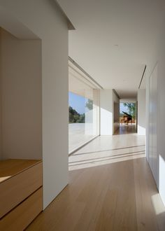 Family house in the hills overlooking Los Angeles by Architect John Pawson Dream Home Design, My Dream Home, Home Interior Design, Exterior Design, Modern House Design, Interior Ideas, Architecture Design, Minimalist Architecture, Ancient Architecture