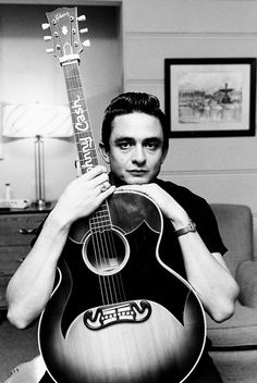Johnny Cash struttin' his stuff, jammin' on his Martin guitar, CA. Now Johnny Cash's life wasn't exactly a cakewalk back in the day. Johnny was touring like a… Young Johnny Cash, Johnny Cash June Carter, Johnny And June, Here's Johnny, Country Music, Country Singers, Country Artists, Outlaw Country, Music Is Life