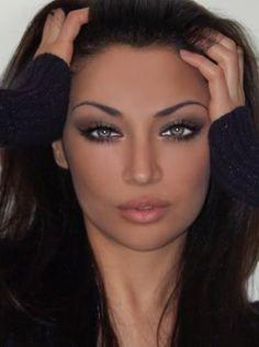Iranian beauty Claudia Lynx