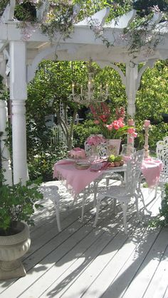 Shabby chic back patio