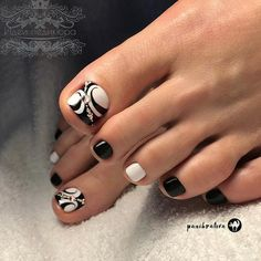 18 Trendy Ideas Of Homecoming Nails To Finish A Lovely Look Trendy Black Toe Nail Colors With Abstract Design To Finish A Stylish Look Black Toe Nails, Pretty Toe Nails, Cute Toe Nails, Pretty Toes, Pretty Pedicures, Toe Nail Color, Toe Nail Art, Nail Polish Colors, Gel Polish