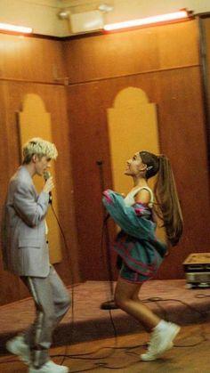 ariana grande troye sivan lockscreen dance to this Ariana Grande Fotos, Ariana Grande Pictures, Troye Sivan, Ariana Music, Ariana Grande Wallpaper, Cat Valentine, Dangerous Woman, Loving U, American Singers
