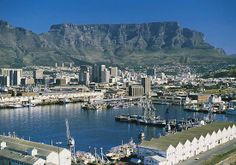 Victoria and Alfred Waterfront - Cape Town Paises Da Africa, South Africa, Most Beautiful Cities, Beautiful Places To Visit, Cape Town, Empire State, V&a Waterfront, City By The Sea, Africa Travel