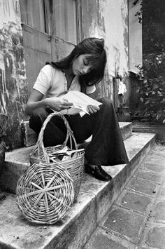 Inspired by Jane Birkin, the Best Basket Bags to Buy This Summer Serge Gainsbourg, Gainsbourg Birkin, Estilo Jane Birkin, Jane Birkin Style, Lauren Hutton, Box Bag, Bags Online Shopping, Online Bags, Christy Turlington