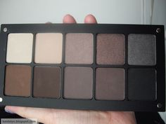 Must have make-up item...Inglot freedom system Nude Eye shadow Palette