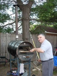 Charcoal portable pizza oven- My home made portable oven! Builded with a 55 gallon steal drum. it took me a wile to fine tune the Cooking of the pizza. I added 2 side louvers to make t… - Outdoor Stove, Pizza Oven Outdoor, Outdoor Cooking, Wood Fired Oven, Wood Fired Pizza, Barbecue Four A Pizza, Portable Pizza Oven, Oven Diy, Bread Oven
