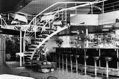 """Im """"Dschungel"""" in der Nürnberger Straße 53 wurde oben mit Cocktails und unten mit Bier gefeiert. Eine Aufnahme von 1988 zeigt den 80er-Jahre Chic der Disco"""