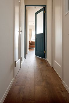 door and door frame Room Interior, Interior And Exterior, Interior Styling, Interior Decorating, Modern Farmhouse Style, House Rooms, Ideal Home, Home Furnishings, Windows And Doors