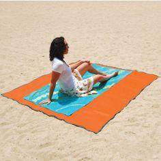 The Sandless Beach Mat - Hammacher Schlemmer