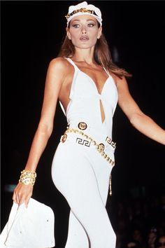 lelaid:  Carla Bruni at Versace S/S 1992