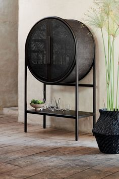 Leanne Ford's New Collection for Crate and Barrel Will Convert You to Minimalism Ski Design, House Design, Interior Design, American Interior, Bent Wood, Futuristic Furniture, Architectural Digest, Furniture Inspiration, Furniture Collection