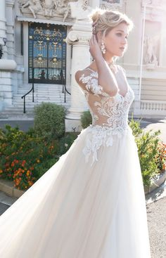 ARAB17608 gown from the 2017 Alessandra Rinaudo collection, as seen on Bride.Canada