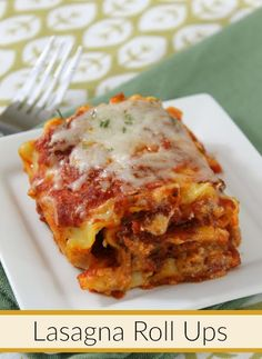 Make w/ GF Pasta.Weeknight meals just got easier with this easy and cheesy Lasagna Roll Ups recipe. Your entire family will ask for seconds! Yummy Pasta Recipes, Casserole Recipes, Beef Recipes, Dinner Recipes, Cooking Recipes, Lasagna Recipes, Drink Recipes, Healthy Recipes, Easy Recipes