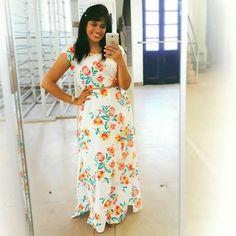 Look do Dia: • Vestido longo estampado Janine Braz, uma peça que eu particularmente amo, e está estampada então.... este vestido é de vool de algodão , um tecido leve, delicado, confortável, e com está estampa tudo de bom, este look você pode usar em shoppings, um passeio, uma festinha entre amigas etc. • #estilistajaninebraz  #modafeminina  #modaevangelica  #assembleianascomestilo  #assembleiadedeus  #modaverao  #verao2019