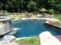 Pool Backyard Pool Design Ideas, Pictures, Remodel, and Decor - page 22 Backyard Pool Designs, Swimming Pool Designs, Pool Landscaping, Backyard Pools, Swimming Pools, Backyard Ideas, Pool Plaster, Beach Entry Pool, Pool Water Features