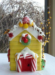 gingerbread - graham cracker house