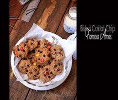 Biskut Chocolate Chip Famous Amos - tried & tested. Will definitely Make again ★★★★ Banana Bread Brownies, Famous Amos, Dessert Recipes, Desserts, Chips, Cookies, Chocolate, Breakfast, Food