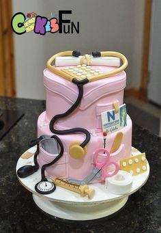 Nursing School Graduate Cake - cake by Cakes For Fun Nursing Graduation Cakes, Nurse Grad Parties, Nursing Graduation Pictures, Nurse Party, Nursing Pictures, Medical Cake, Nursing Goals, Doctor Cake, School Cake