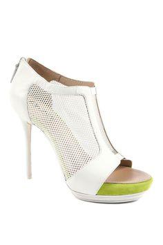 2ff64bc18bd8 DKNY Spring 2014. Hot HeelsPlatform ...