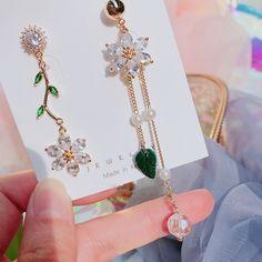 Ear Jewelry, Jewelry Accessories, Fashion Accessories, Jewelry Design, Long Tassel Earrings, Cute Earrings, Drop Earrings, Simple Jewelry, Cute Jewelry