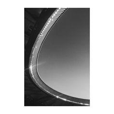 Hoy el cielo de #madrid ha descubierto un nuevo techo el de la casa de todos los #atleticos donde seguiremos luchando y soñando porque si no Para que estamos aquí? Hoy me he sentido muy orgulloso del trabajo de muchos. Un trabajo que permite soñar un futuro prometedor que nos pone en otra posición siempre aupados por un pasado glorioso. #aupaatleti  #atleticodemadrid #wandametropolitano #metropolitano #madrid #spain #stadium #estadio #futbol #football #blancoynegro #blackandwhite #vsco…