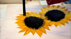 A quick and easy tutorial of how to paint sunflowers one stroke at a time. You can paint them on wood, glass or fabric, you name it. For more painting tutori...