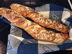 Baguette, Hot Dog Buns, Nom Nom, Breakfast Recipes, Sausage, Buffet, Sandwiches, Bakery, Recipies