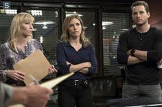 Rollins, Lindsay & Halstead - Chicago Fire - SVU - Chicago PD Crossover Episode