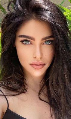 Beautiful Women Pictures, Gorgeous Women, Girl Face, Woman Face, Gal Gardot, Model Face, Brunette Beauty, Pure Beauty, Her Smile