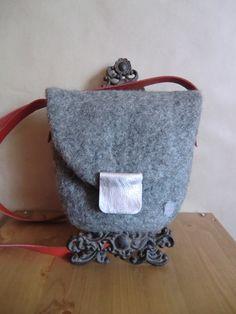 small bag with decoration von FilzWollLust auf Etsy, €49,00
