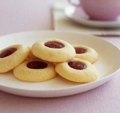 Make these delicious shortbread cookies with strawberry jam filling today with your kids. Get your children more involved in the kitchen with Tesco Real Food. Homemade Shortbread, Shortbread Recipes, Homemade Biscuits, Shortbread Cookies, Cookie Recipes, Dessert Recipes, Desserts, Real Food Recipes, Vegetarian Recipes
