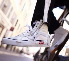 Vans Sneakers, Vans Shoes, Vans Vault, Vans Outfit, Sneaker Art, Stylish Mens Outfits, Sk8 Hi, Vans Sk8, Skate Shoes