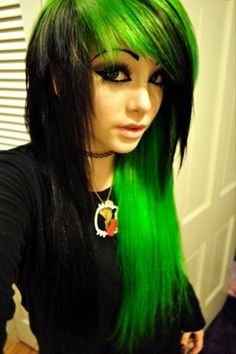 Really cool choppy emo hair with both black and toxic neon green-dyed steaks- Love this look! <3