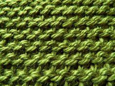 Wat is Tunisch haken? Het lijkt op breien - Breiclub.nl Tunisian Crochet, Chrochet, Diy Crochet, Needlework, Knitting, Sewing, Petra, Knits, Wool