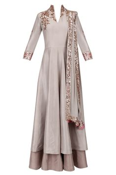 Manish Malhotra presents Grey and gold badla embroidery double layered kurta set available only at Pernia's Pop Up Shop. Western Dresses, Indian Dresses, Indian Outfits, Indian Attire, Indian Wear, Layered Kurta, Hijab Fashion, Fashion Dresses, Modele Hijab