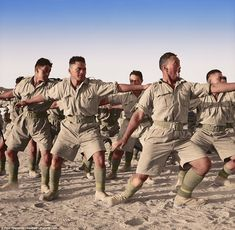 Members of the Maori Battalion performing a Haka for the King of Greece at Helwan, Egypt in June King George Ii, Maori People, Killed In Action, Ww2 Photos, Maori Art, Military Police, North Africa, Military History, World War Ii