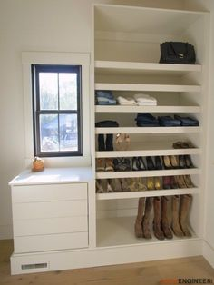 Start Out Your Very Own Sewing Company Diy Master Closet Plans-Free Diy Plans Diy Furniture Projects, Small Furniture, Diy Projects, Luxury Furniture, Project Ideas, Diy Master Closet, Closet Bedroom, Do It Yourself Inspiration, Dressing