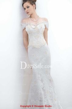Flattering Off-the-Shoulder Floral Mermaid Lace Wedding Gown