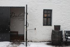Distilleria Dalwhinnie, via Flickr.